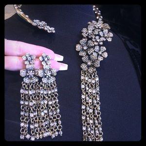 Jewelry - Gold and Rhinestone choker with matching earrings